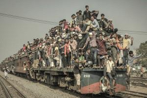 SPC Merit Award - Wenguang Lu (China) <br /> Crowded Train1