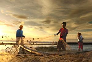 PhotoVivo Honor Mention - Beiyan Lou (China)  Catch Fish