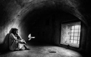 PhotoVivo Honor Mention - Abdulla Al-Mushaifri (Qatar)  Take Me Home Bw