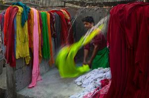 PhotoVivo Honor Mention - Jinhuan Zhang (China)  Laundryman
